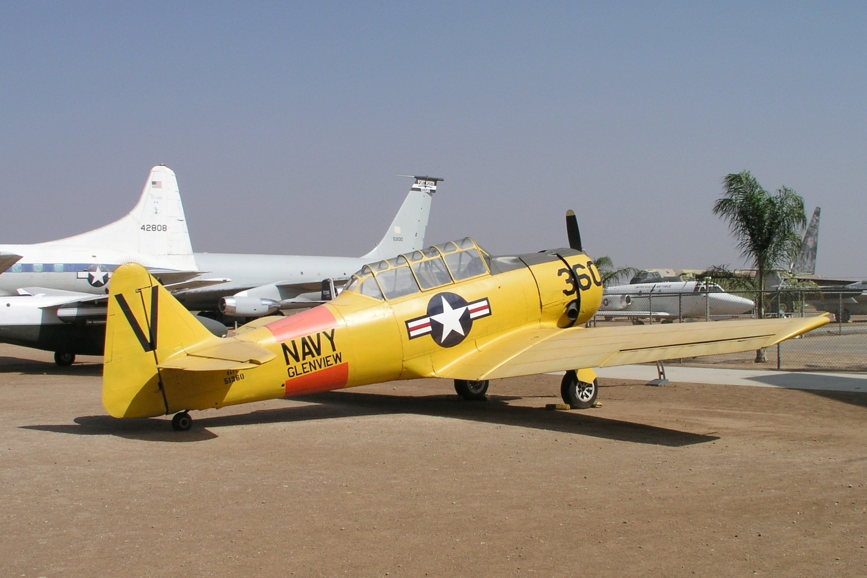 North American SNJ-4 Texan (NA-88) specifications and photos