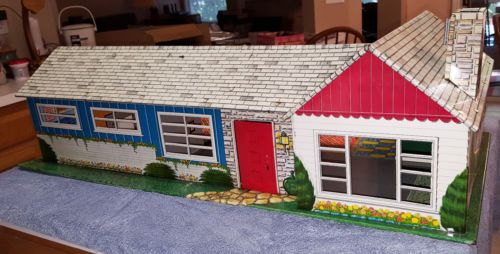 Ranch Style Metal Dollhouse With Furniture Vintage 1950 S Vintage Furniture Doll House Ranch Style