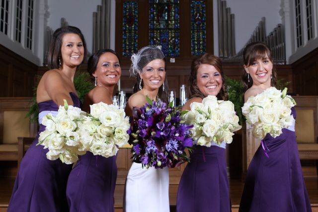 Bridesmaid Flowers Match Brides Dress And Matches The Bridesmaids Dresses Cool