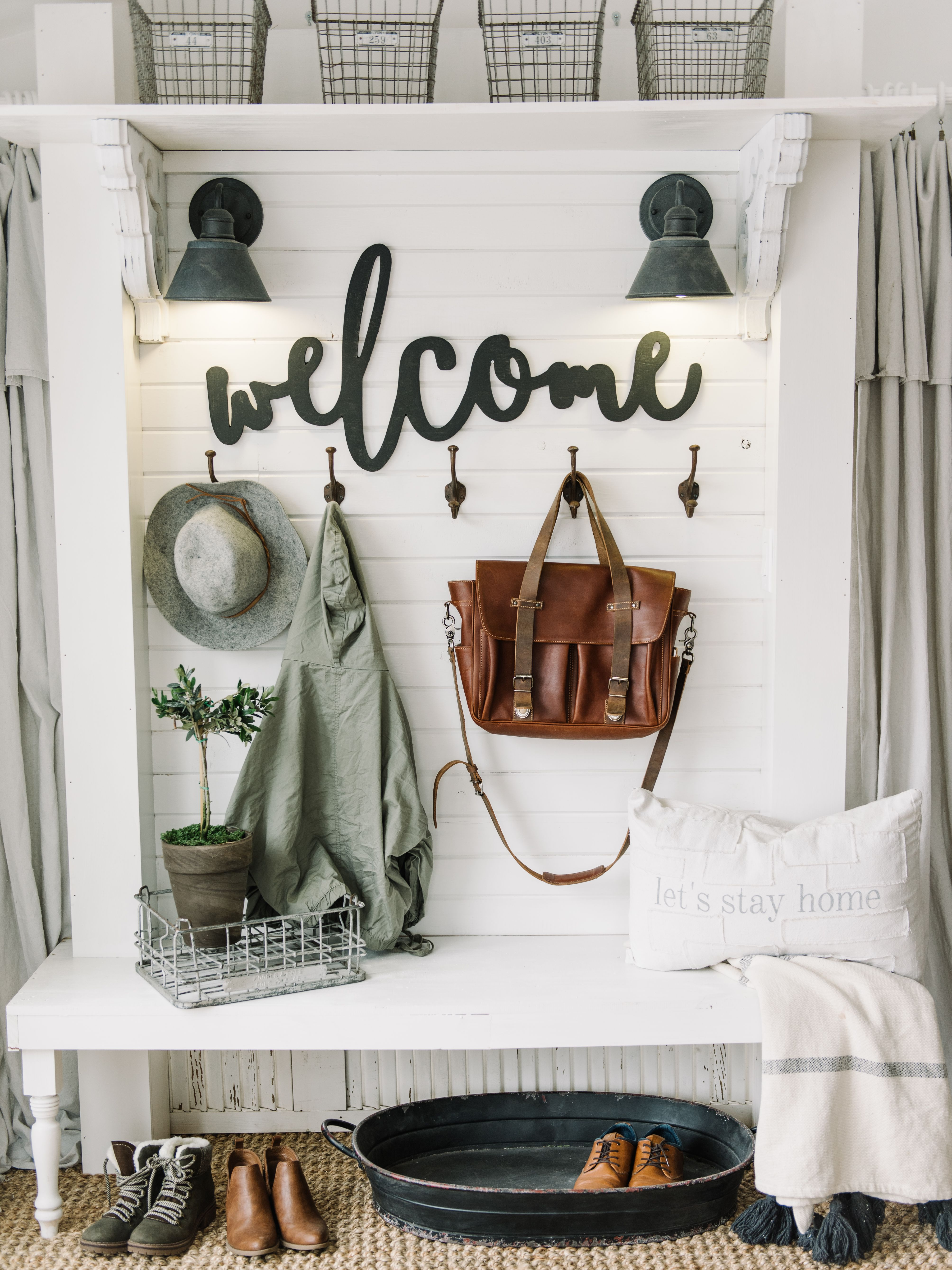 Whats new in farmhouse home decor vol centerpieces and kitchens