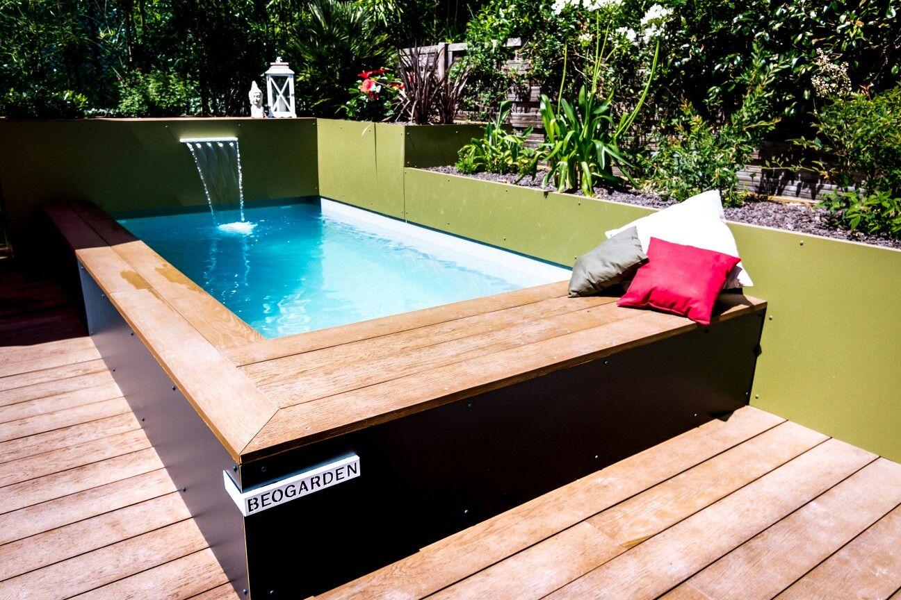 une micro piscine de moins de 10m2 id ale pour les. Black Bedroom Furniture Sets. Home Design Ideas