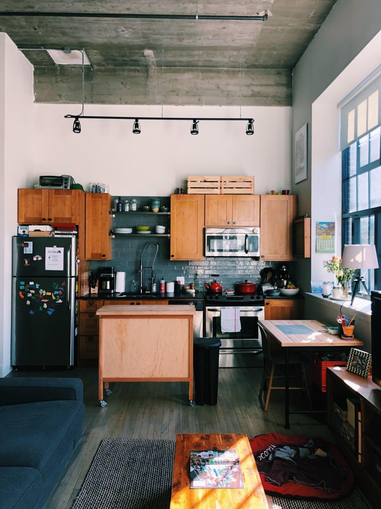 This 500 Square Foot Boston Studio Apartment Is Incredibly Chic Studio Apartment Design Apartment Layout Apartment Design