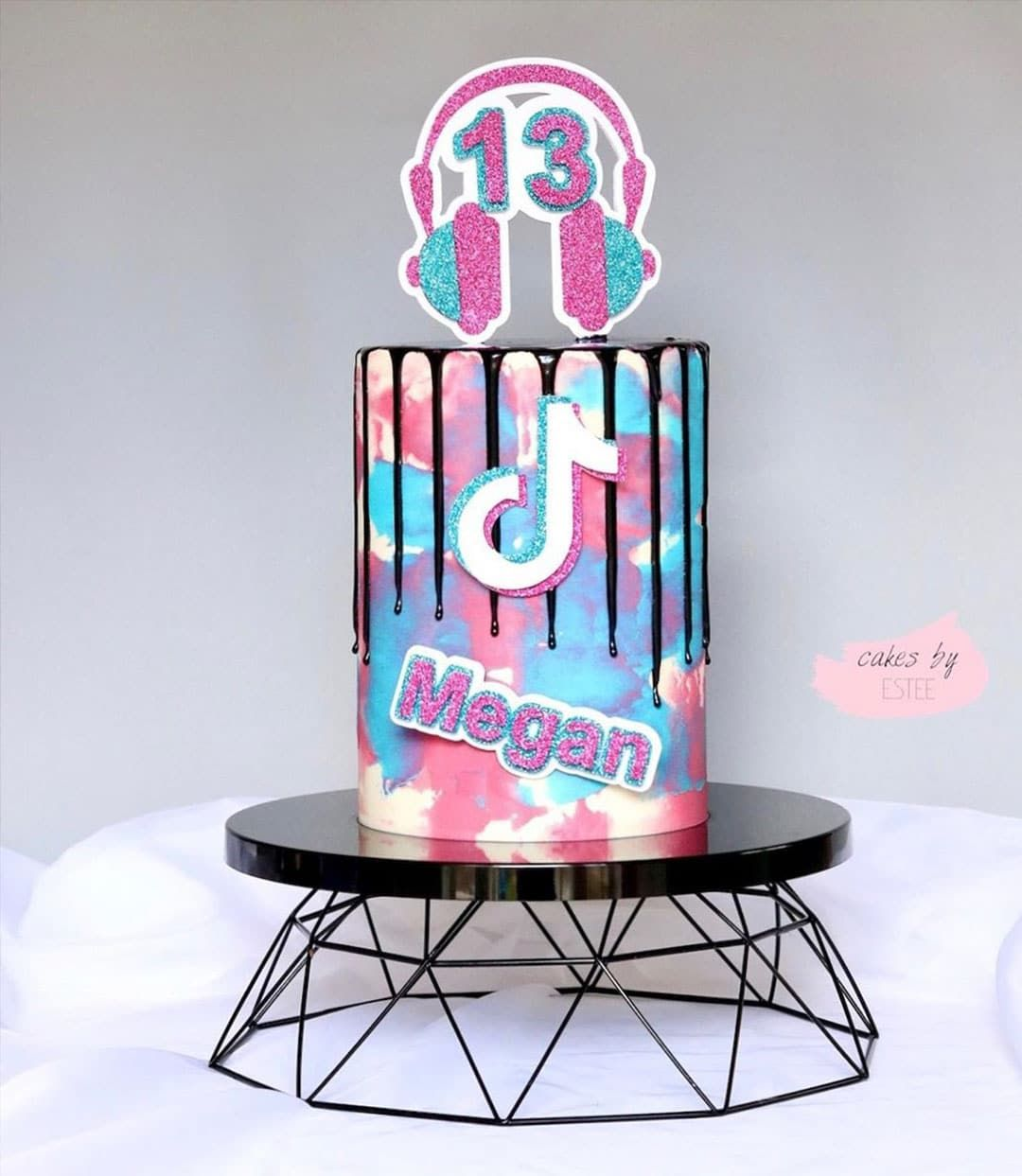 13 Cute Tik Tok Cake Ideas Some Are Absolutely Beautiful 13 Birthday Cake Birthday Cake Girls Girl Cakes