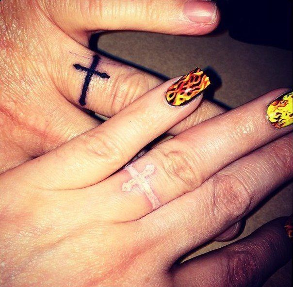 44 Wedding Ring Tattoos With Diversifying And Creative Meanings