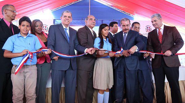 Presidente Medina inaugura cuatro centros educativos en Espaillat y La Vega