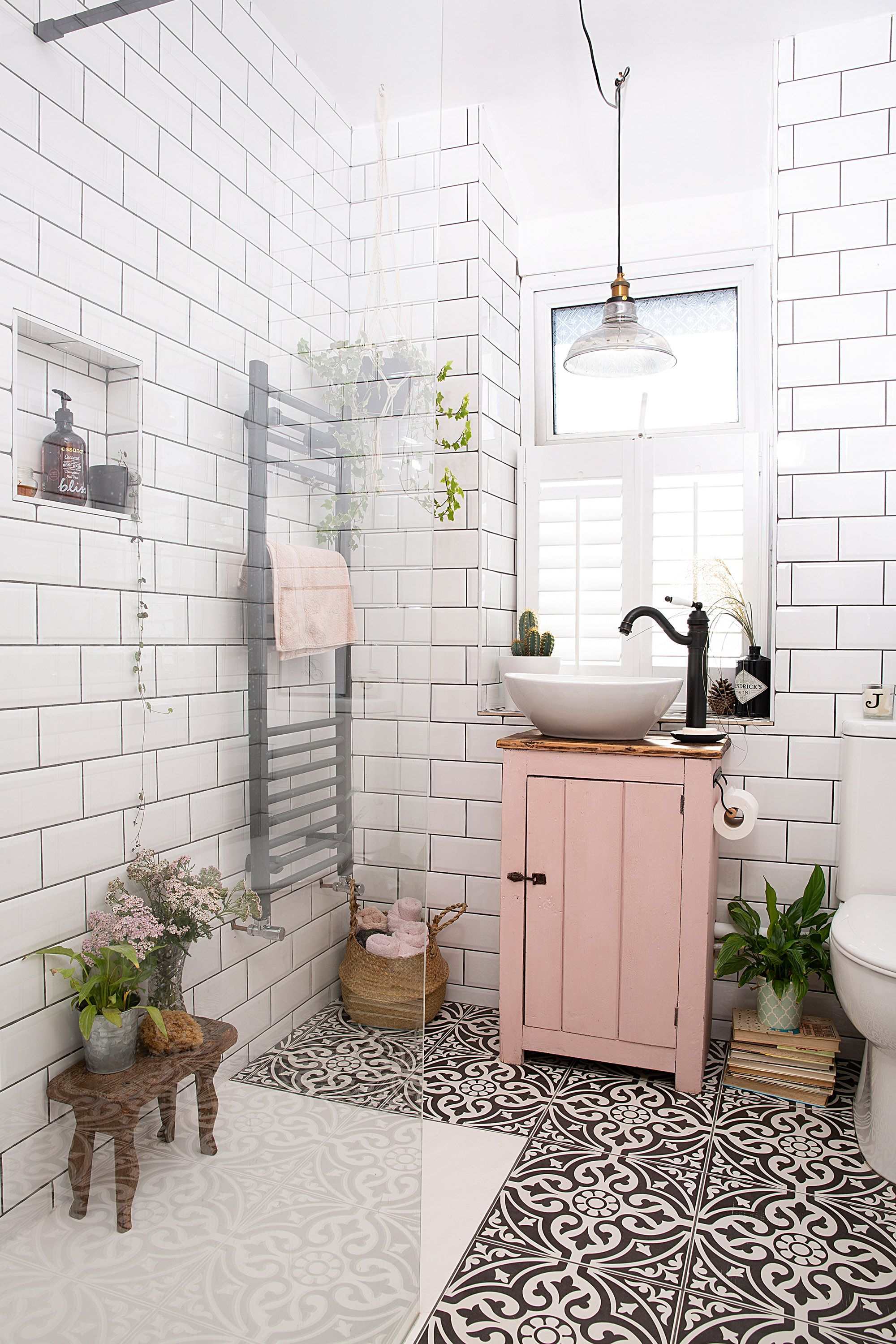 From The Famous Millenial Pink To Earthier More Romantic Hues These Pink Room Design Ideas Will Inspire You To Add This On Trend Colour To Your Home Bathroom Interior Design Home Decor Famous inspiration bathroom color