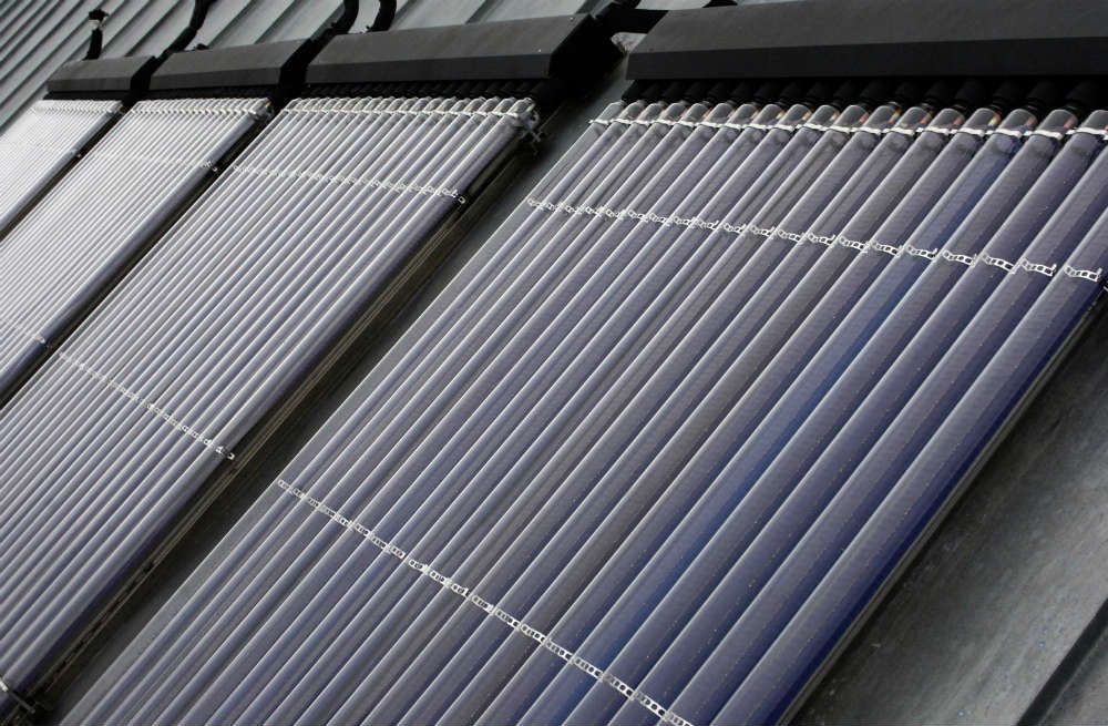 prix des panneaux solaires thermiques toiture couverture pinterest garage. Black Bedroom Furniture Sets. Home Design Ideas