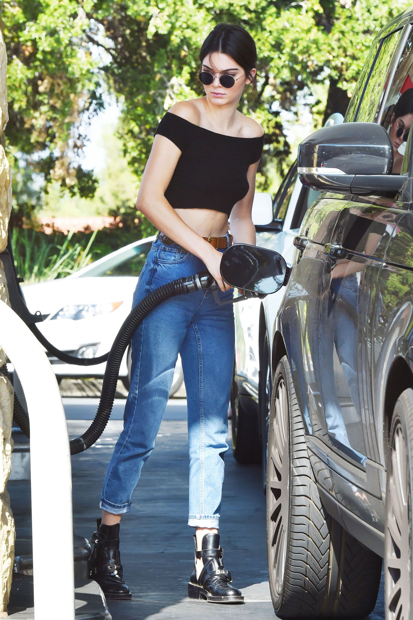 Kendall jenner high waisted black jeans