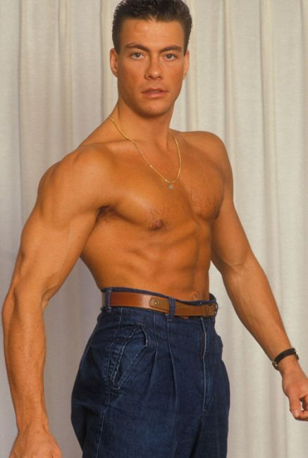 81f230c78 JEAN CLAUDE VAN DAMME - PURE COMEDY.....why, do he have on these high  waisted jeans w/ a brown skinny belt.....blahahaha 😂😂😂