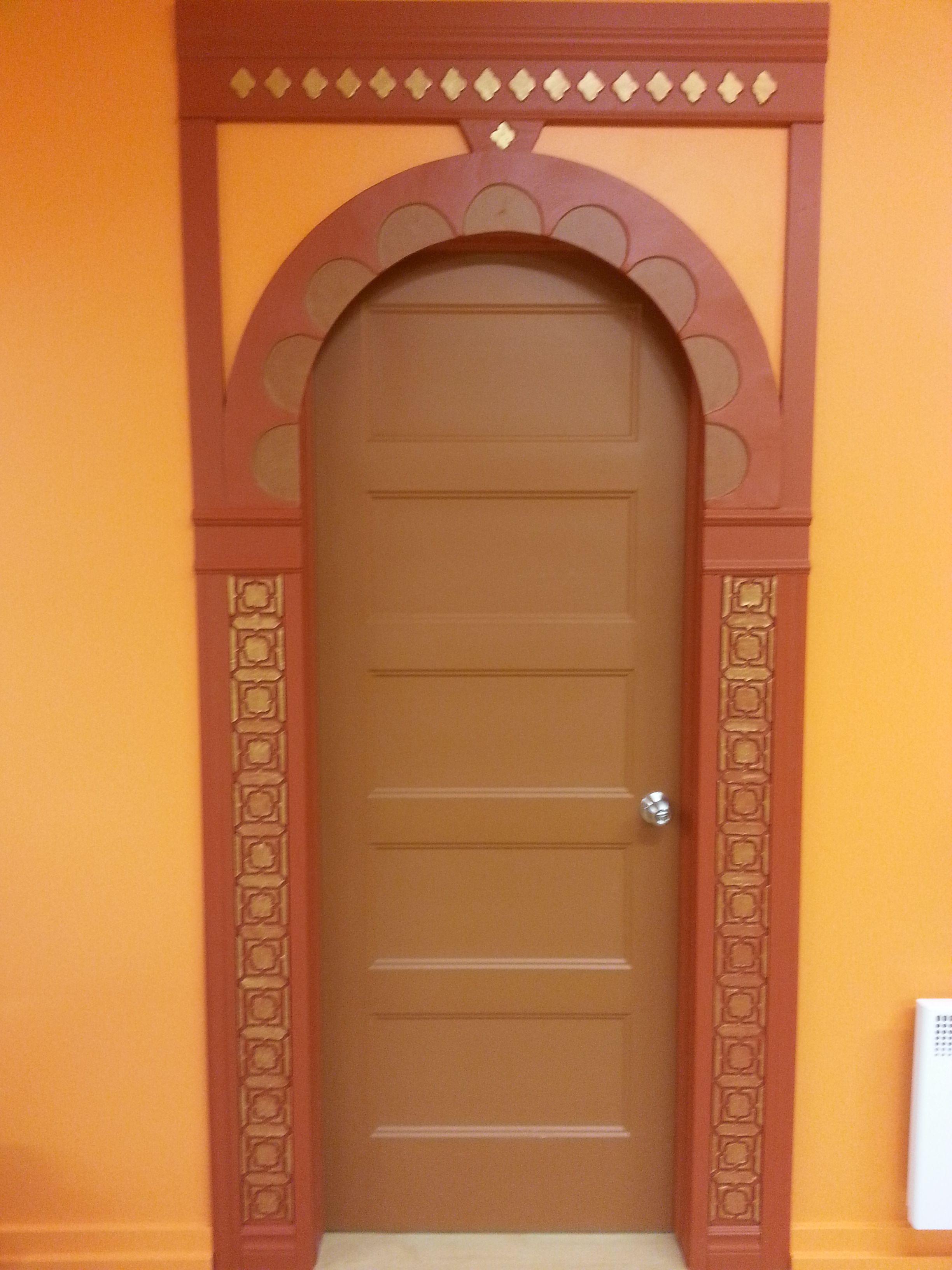 portes orientales cadre de portes d 39 inspiration du moyen orient avec relief et motifs marocains. Black Bedroom Furniture Sets. Home Design Ideas
