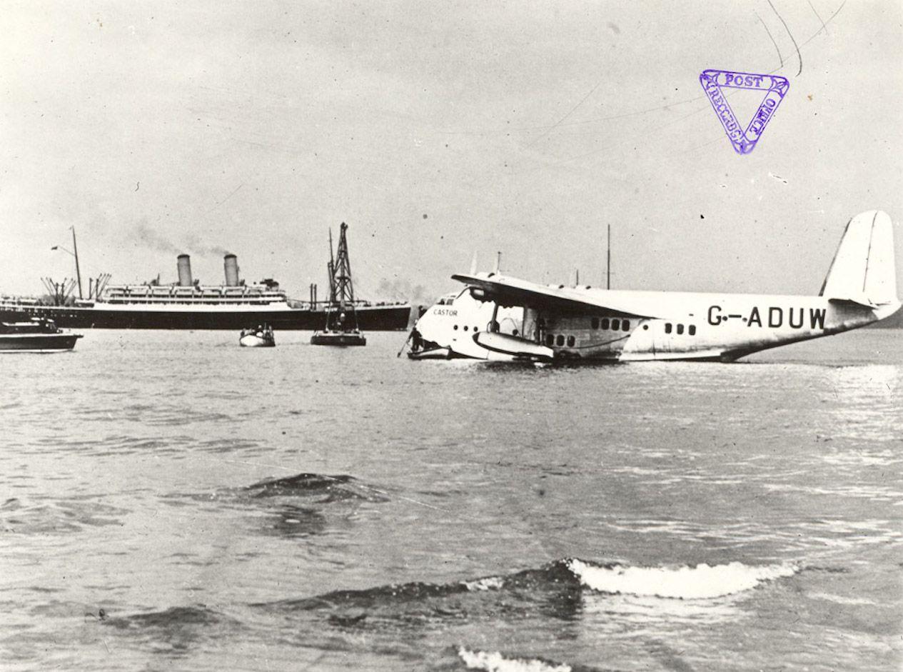 Short S.23 Empire (or: \'C-\') Class flying boat \'Castor\' G-ADUW (c/n ...