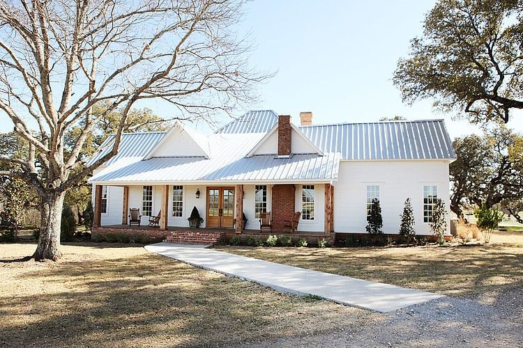 Farmhouse In Texas By Magnolia Homes Magnolia Hgtv And