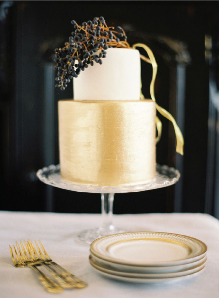 Delightful Wedding Cakes Almost Too Pretty to Eat. http://www.modwedding.com/2014/01/31/delightful-wedding-cakes-almost-too-pretty-to-eat/ #cake #wedding #weddings