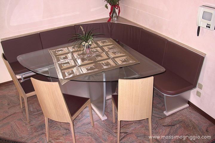 Panche Angolari Con Tavolo.Tavolo Angolare Con Piano In Cristallo E Panca Imbottita