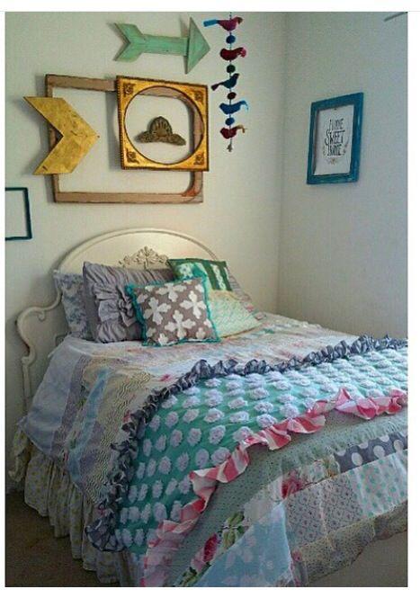 Ruffled bed spread love!