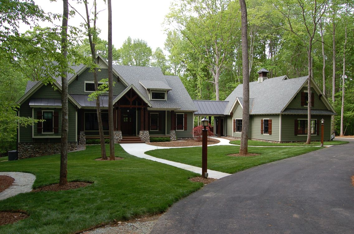 Liking The Detached Garage And The Covered Walkway Craftsman House Plans House Exterior Ranch House Exterior
