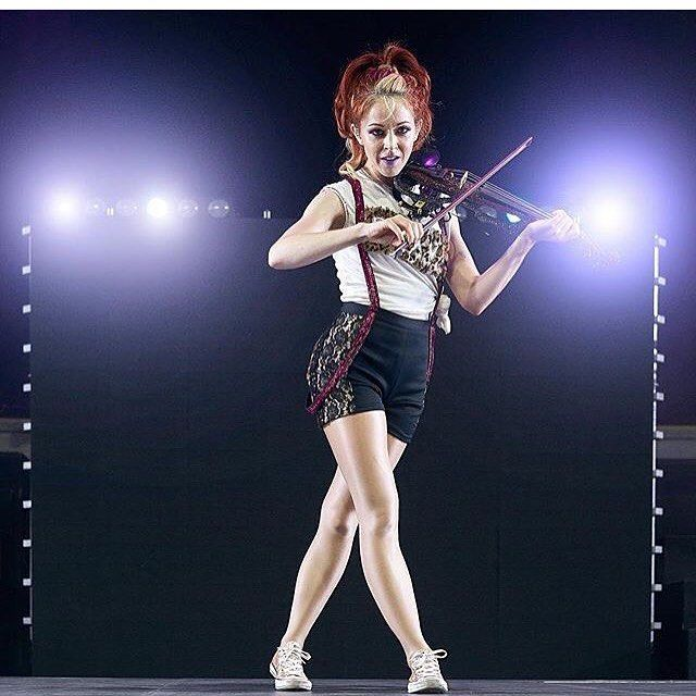 "(@phelba_stirlingite) på Instagram: ""Good afternoon! ~ #LindseyStirling ~ #Phelba ~ #Stirlingite ~ #Violin ~"""