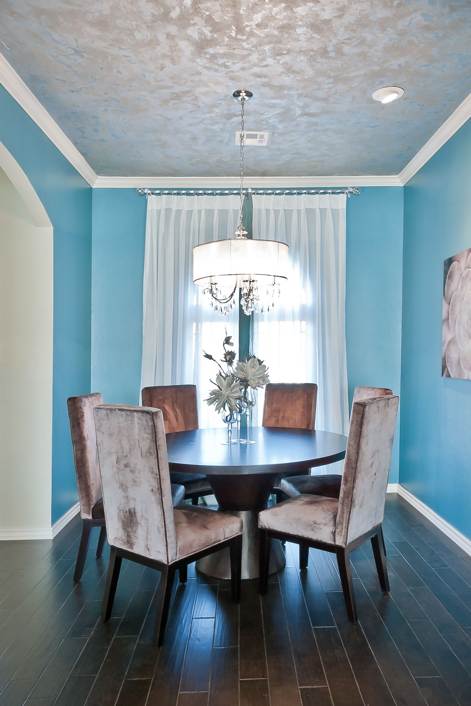 23 Dining Room Ceiling Designs Decorating Ideas: Love The Silver Leaf Ceiling Would Be Awesome In Master Bedroom