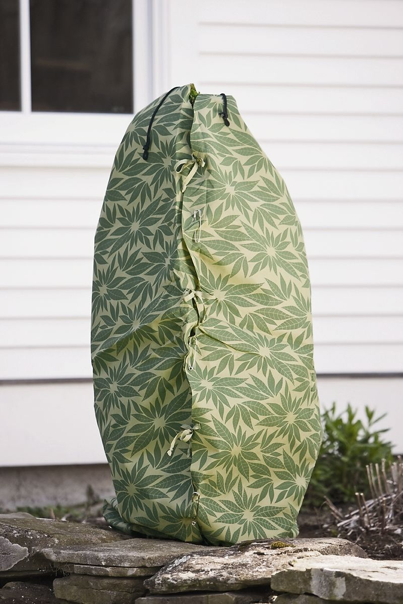 Shrub Covers Shrub Jacket Winter Protection Free Shipping Winter Shrubs Plant Covers Floating Garden