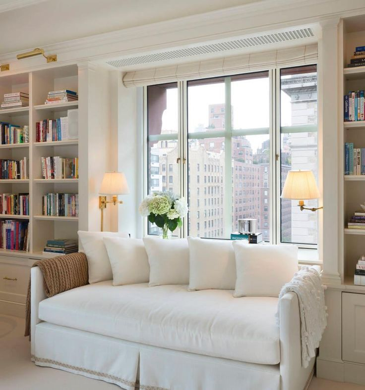 Built in bookcases either side of daybed and nick for Window sofa furniture