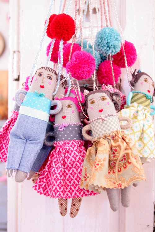 Emergency stock doll necklace ESZTERDA! : Daily Cottoli