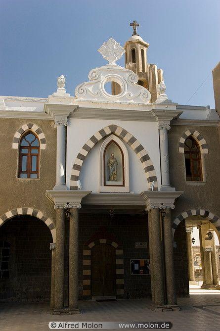 Syriac Catholic Church facade. Photo: Alfred Molon