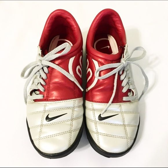 282c2eb649e3 Nike Air Zoom Total 90 III soccer shoes This shoe has been worn still in  good condition! / Size: 4 Youth - 230cm - Women's 6 / Color: silver & red  Nike ...