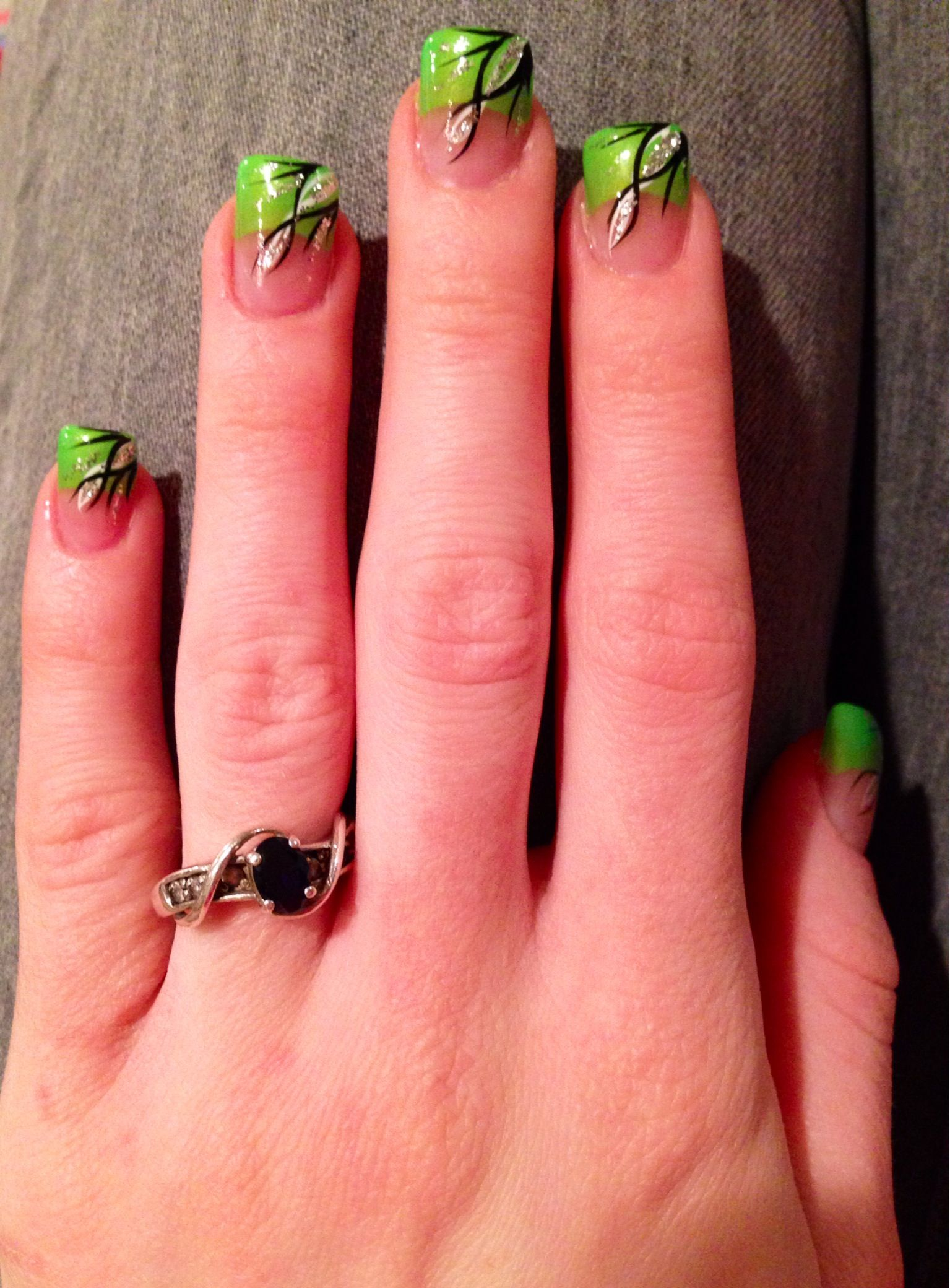 Green, black, and white acrylic nails. | My Nails :) | Pinterest ...