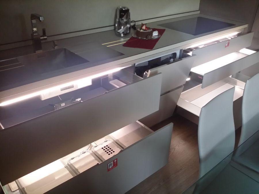 Descrizione cucina unica nel suo genere basi e top profondita 39 75 cm pensili profondita 39 40 - Ripiani interni cucina ...