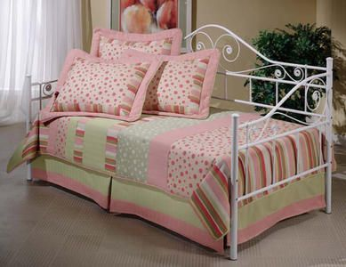 good site for day beds with trundles