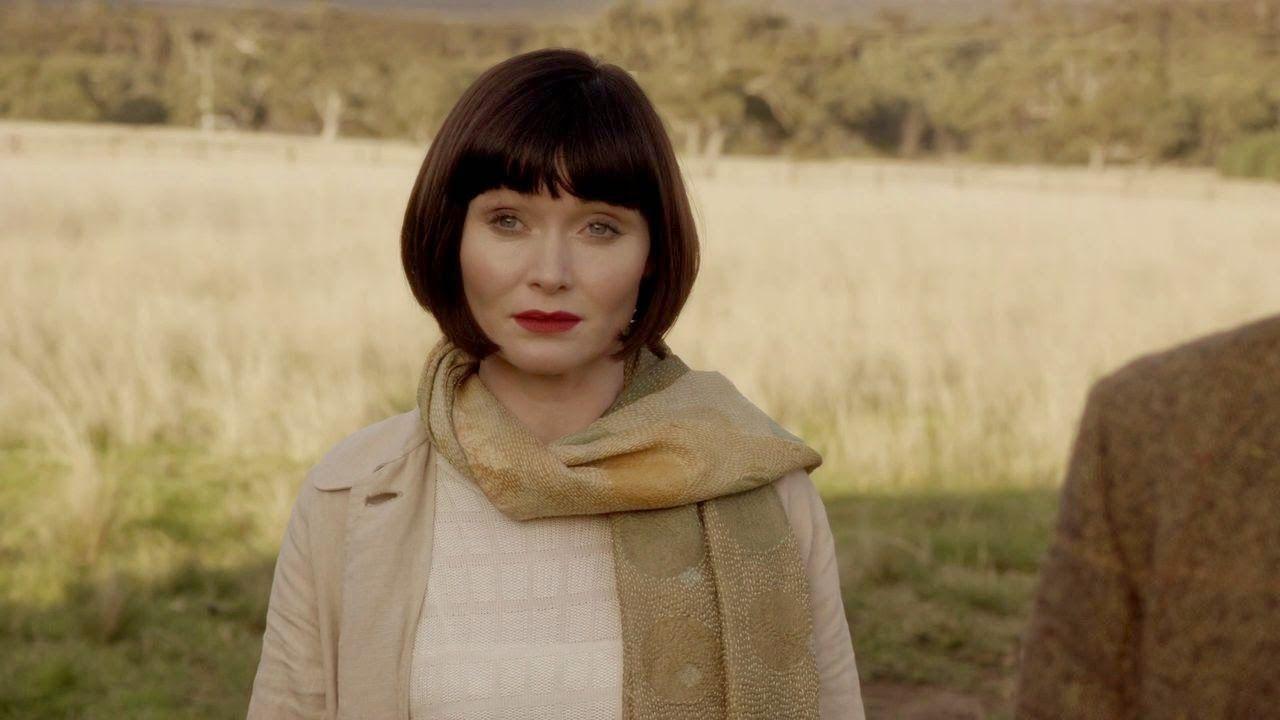 Miss Fisher's Murder Mysteries: Essie Davis as Phryne Fisher in Miss Fisher's Murder Mysteries: Season 1 Episode 3 - The Green Mill Murder (2012)