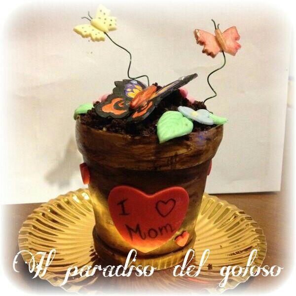 richiesta di una mini cake a forma di vaso per la festa della mamma