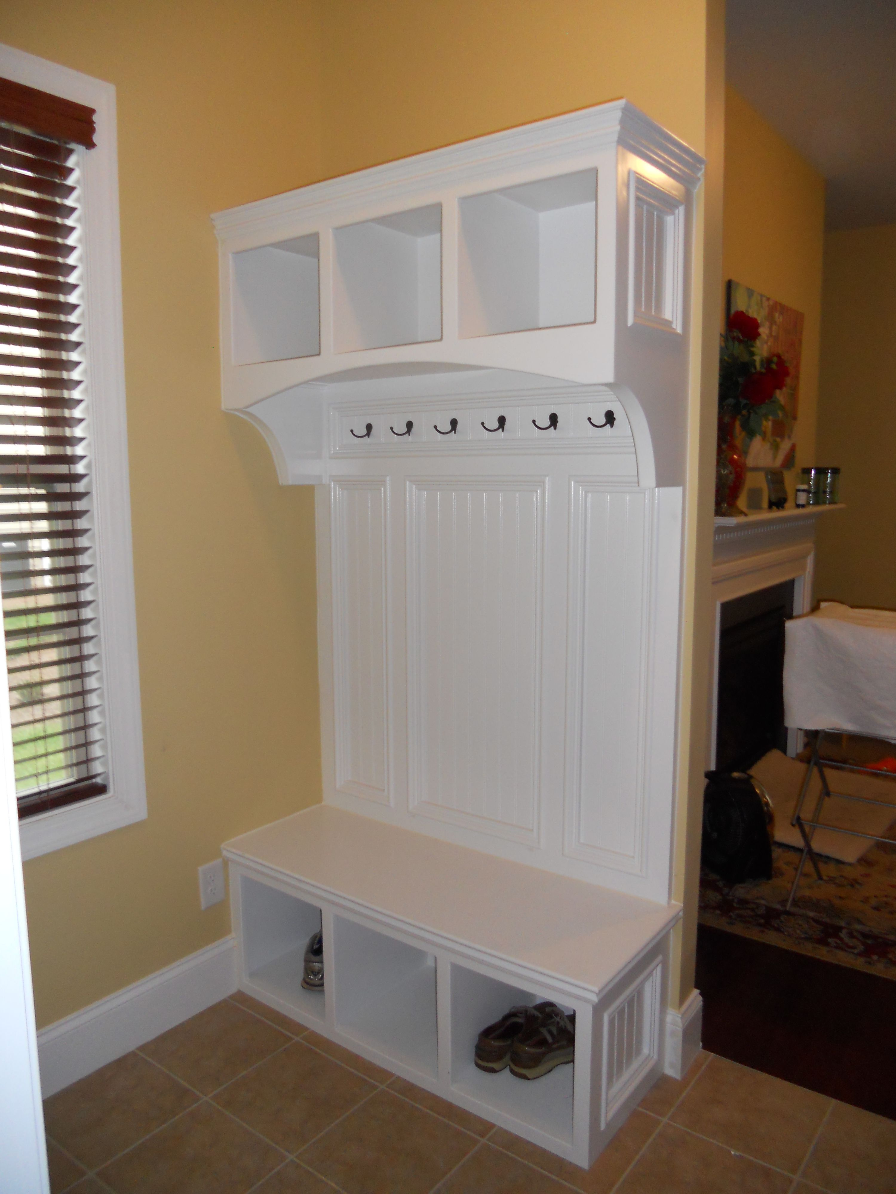 Awesome Mudroom Storage Units With Assorted Modern Design ...