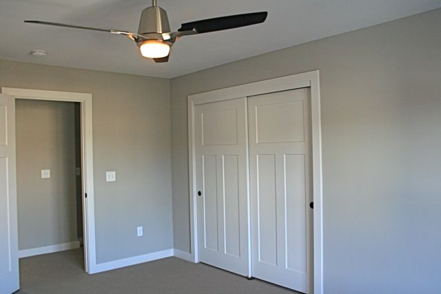 White Painted Interior Craftsmen Doors With Square S4s Trim White Woodwork White Casing And White Baseboards Belmanho White Baseboards Home Craftsman Trim