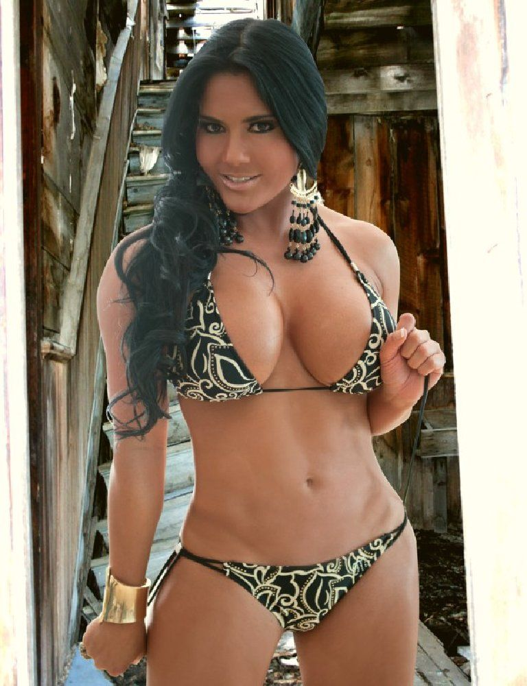 Carmen Marquez Fashion Style