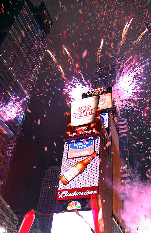 Tips For Watching The Ball Drop In Times Square New York City Christmas New York New Years Eve Times Square