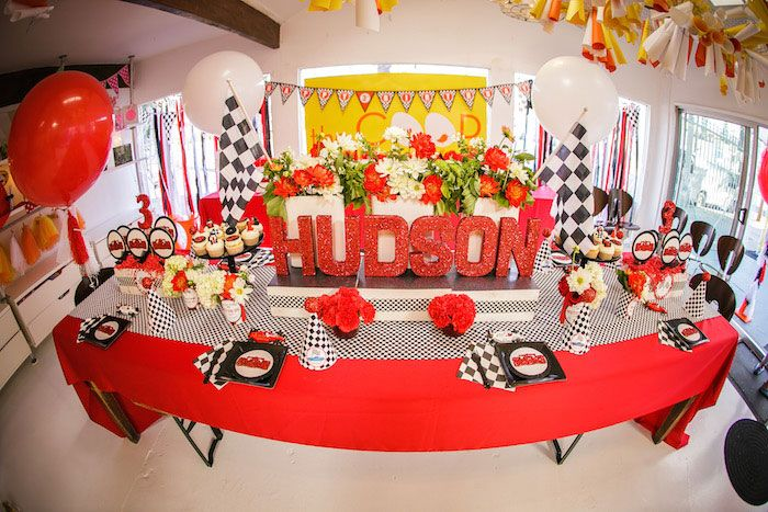 Imagenes De Race Car Themed Birthday Party Decorations