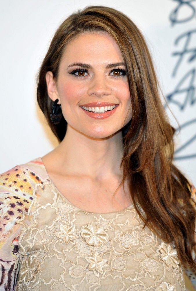 Hayley Atwell Biography, Upcoming Movies, Filmography, Photos, Latest Movie, Wallpapers | MovieMagik