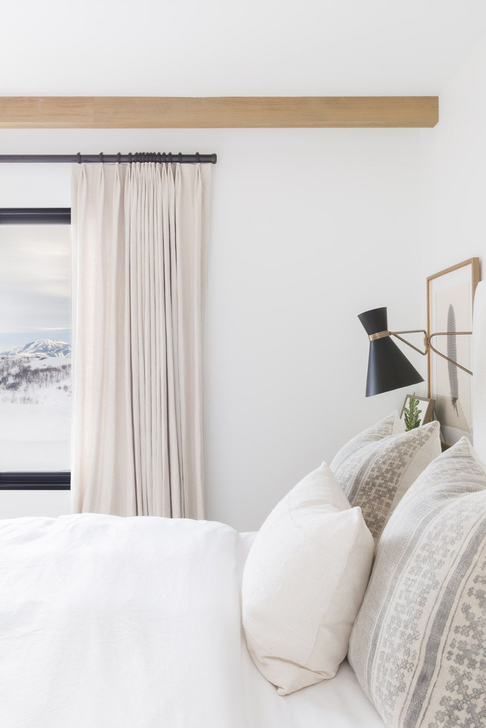 ELLE DECOR MOUNTAIN RANCH PROJECT Luxurious bedrooms