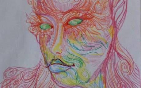 Mujer realiza autorretratos antes y después de consumir LSD - MDZ Online