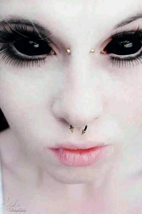 Dark evil black eyes Costume-Demon Pinterest Chica del espacio - maquillaje de vampiro hombre