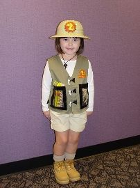 Xan s possible halloween costume. Hearing him say Paleontologist is the  CUTEST thing eva! Disfraz dc094ce42fb