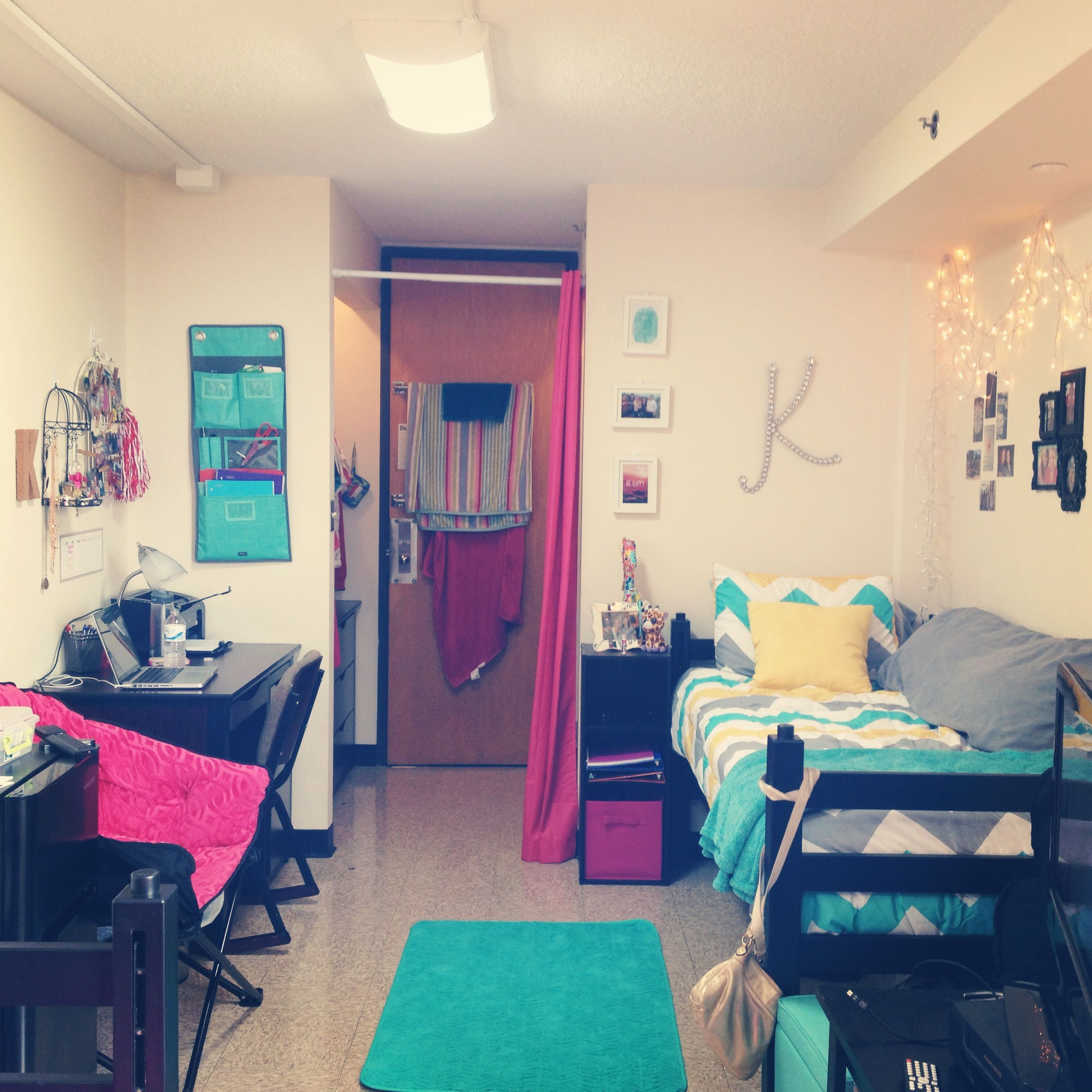 Chevron dorm room watterson towers illinois state university college pinterest illinois - Room e ...