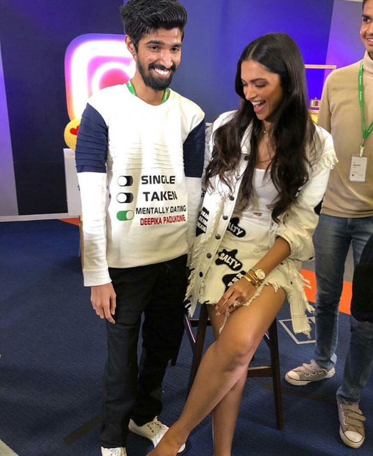 Deepika Padukone Borrows Ranveer Singh S Quirky Style As She Attends Event With Facebook Instagram Hungryboo Deepika Padukone Bollywood Fashion My T Shirt