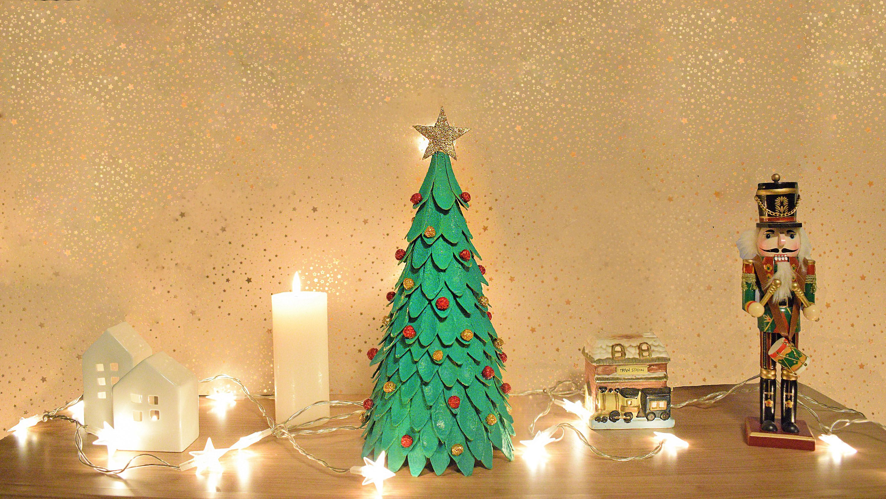 How To Make Christmas Tree With Egg Carton Amazing Home Decor Diy Recycled Ornaments Video How To Make Christmas Tree Diy Christmas Tree Christmas Tree