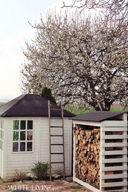 Holzschuppen Garten Pinterest Holzschuppen, Brennholz und Gärten - brennholz lagern ideen wohnzimmer garten
