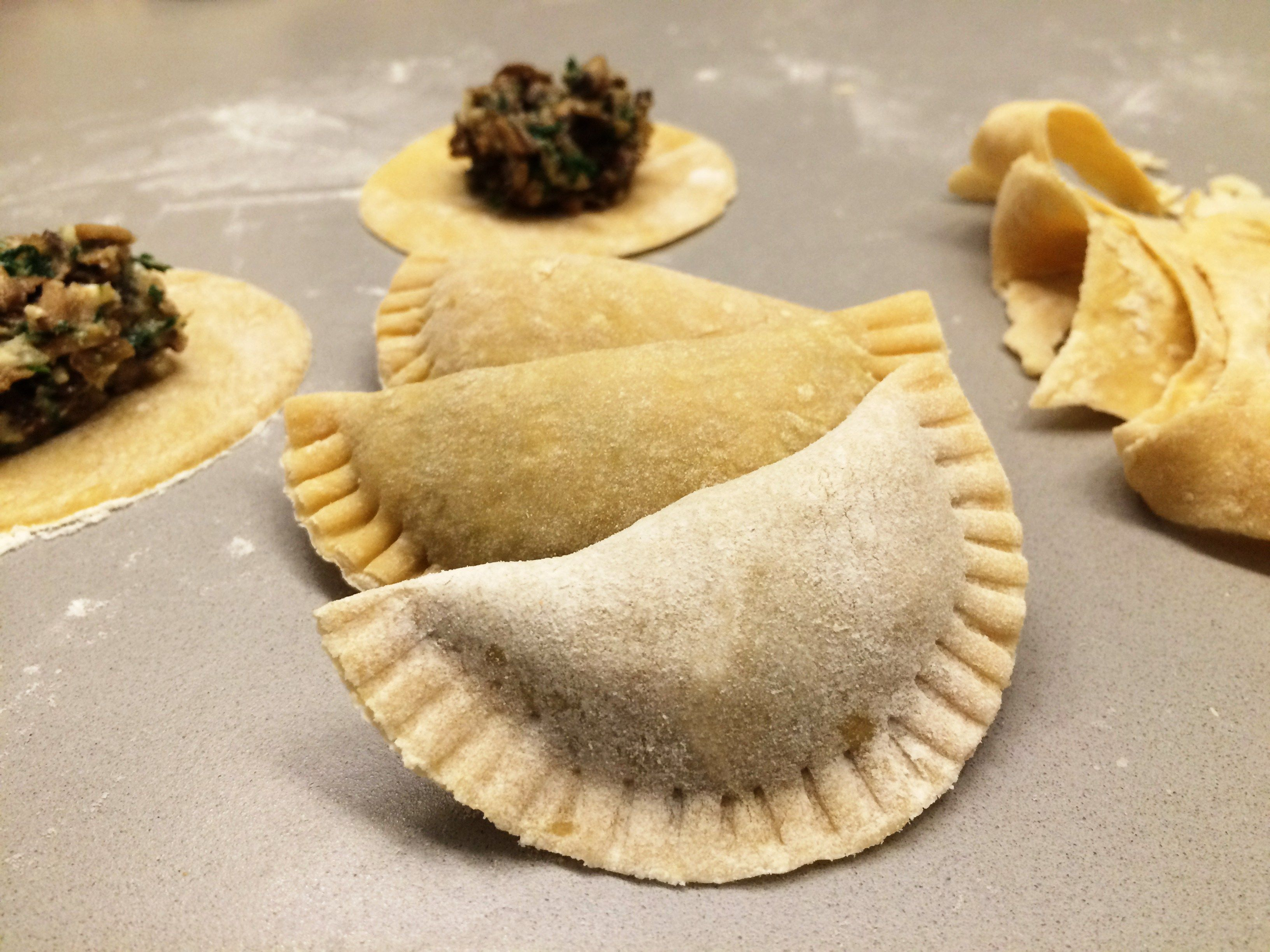 ravioli mit gorgonzola champignon f llung vegetarisch pinterest ravioli nudeln und. Black Bedroom Furniture Sets. Home Design Ideas