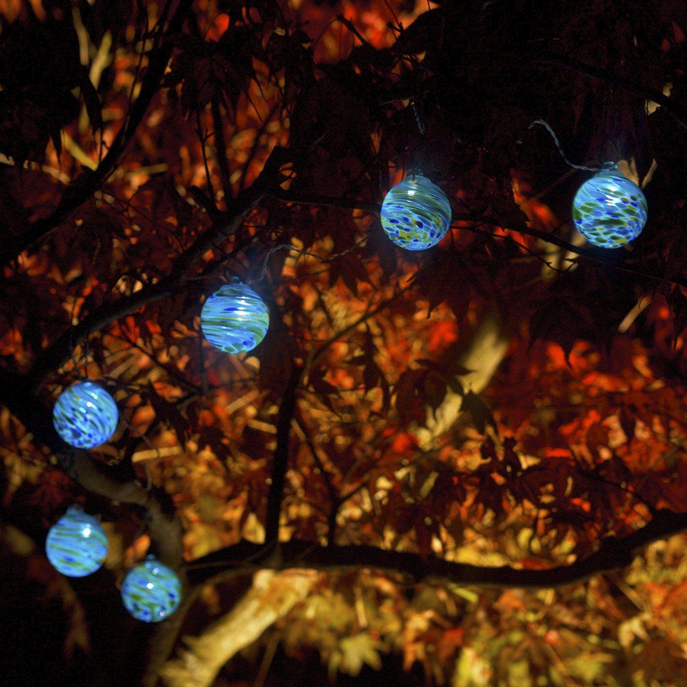 Blown Glass Solar Outdoor Lights. Want.
