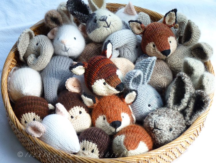 Knitting Patterns For Miniature Animals : Isnt this just the cutest scene of knitted woodland creatures? What a lo...