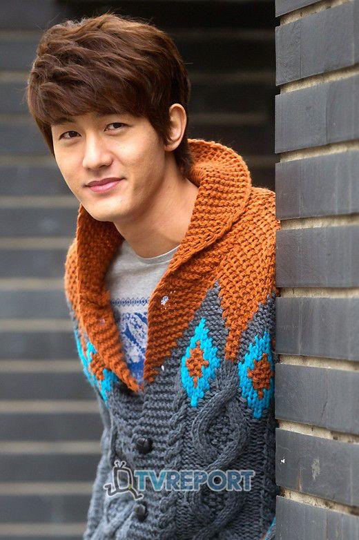 Lee-Ki-Woo-Flower-Boy-Ramyun-Shop-korean-dramas-28025132-520-782